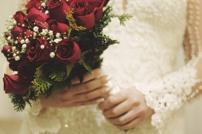 Co se děje ve světě, když probíhá svatba